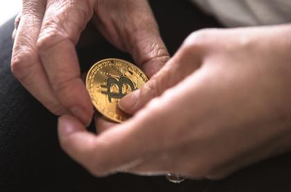 holding crypto